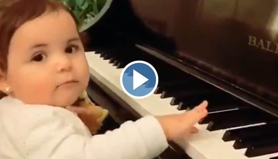 VIDEO: Layla Bukele demuestra su destreza con el piano con tan sólo 1 año de edad
